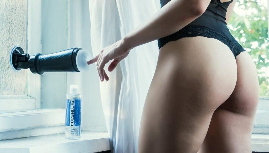 How to use a Fleshlight hands-free